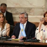 """Fernández habló del """"querido Papa"""" y llamó a acoger a afectados por la cultura del descarte"""