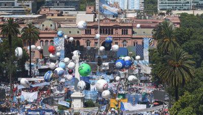 Multitudinaria convocatoria de los gremios de la CGT y las CTA para darle la bienvenida a Alberto