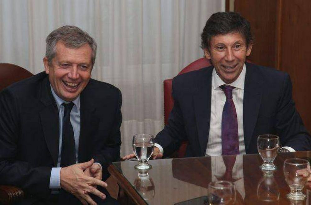 Posse asumió en San Isidro acompañado por Emilio Monzó