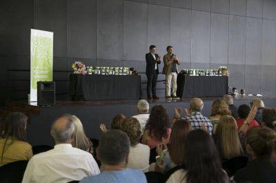Vicente López: más de 60 empleados municipales pasaron a planta permanente