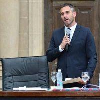 En su jura Achával anunció medidas contra el hambre