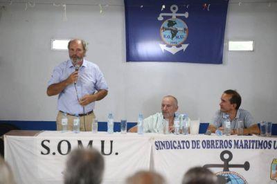 Con la participación de referentes navales y portuarios, se desarrolló una mesa de debate