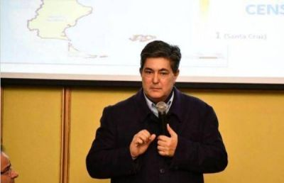 Provincias petroleras quieren que Lanziani ate el canon de explotación al precio del crudo
