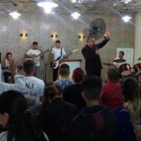 Ataque vandálico a iglesia evangélica en pleno culto dominical
