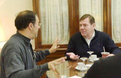 El intendente municipal Guillermo Montenegro se reunió con el Obispo Gabriel Mestre