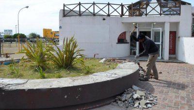 Se realizan tareas de embellecimiento en la Villa balnearia y Polideportivo