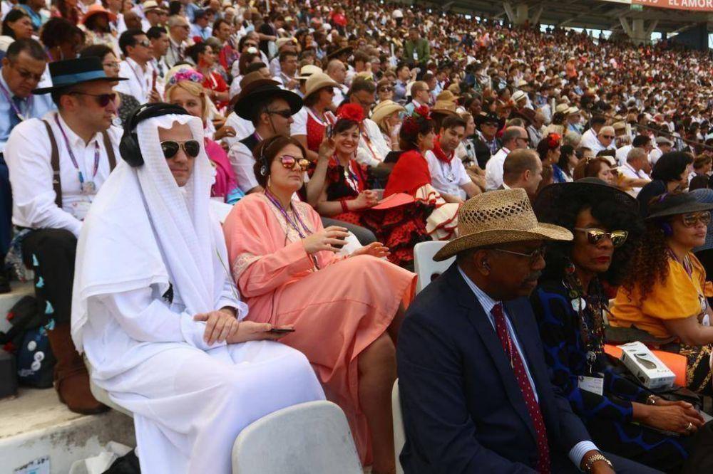 Un multitudinario encuentro de los Testigos de Jehová copó el Estadio y lo llenó de color
