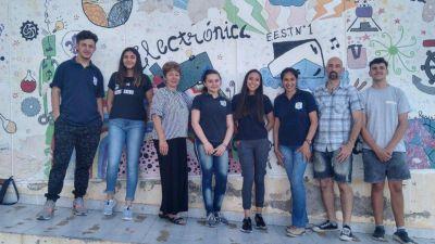 Estudiantes secundarios bahienses harán placas con plástico reciclado