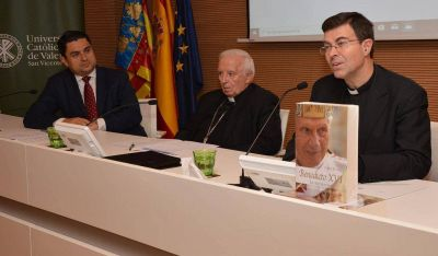 """Cañizares: """"Contraponer el pensamiento del Papa Francisco con el de Benedicto XVI es de una ignorancia total"""""""