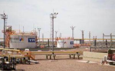 El crudo neuquino sostiene la actividad de las refinerías