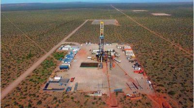 Desde el Gobierno analizan convocar a petroleras de Vaca Muerta para presentar plan de desarrollo