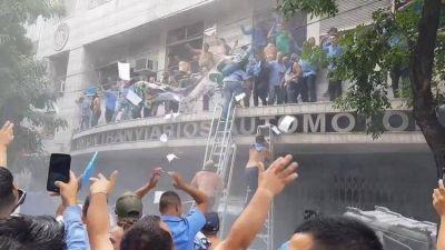 Quién es quién en la violenta interna gremial que busca desbancar a Roberto Fernández de la conducción de la UTA