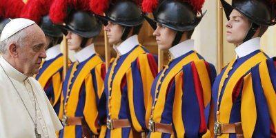 Vaticano: Piden reabrir el caso del doble crimen en la Guardia Suiza