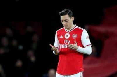 Mesut Özil defiende a musulmanes y China le declara la guerra por sus comentarios
