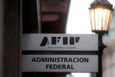 Sospechas sobre Carrió: allanamiento en la AFIP