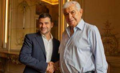 Galuccio y Pereyra firmaron un acuerdo para el personal de Vista