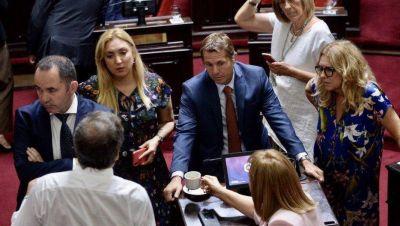 Ministros de Axel se reunieron con legisladores para apurar el tratamiento de la Emergencia