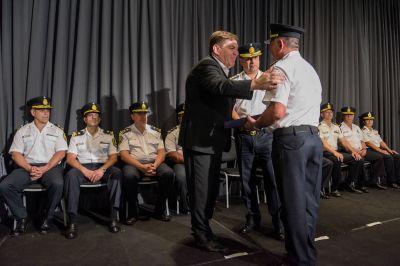 Montenegro participó del acto oficial por el aniversario de la Policía de la Provincia