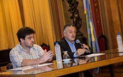 Las Flores: Intendente Gelené renunció a cobrar el sueldo y habló de situación