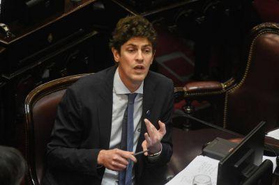 Lousteau, el duro que no pudo frenar la sesión en el Senado
