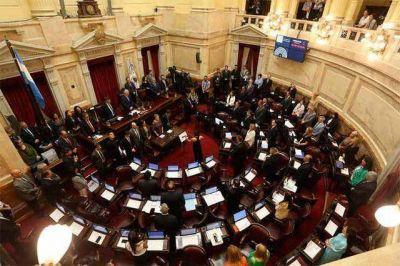 En otra sesión maratónica, el Senado aprobó el proyecto de emergencia económica