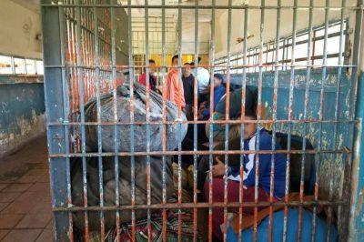 Cárcel de Batán. Cloacas colapsadas, hacinamiento y una crisis social tras las rejas