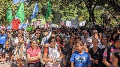 Minería: ambientalistas marcharon en Mendoza contra la sanción de una ley que habilitó el uso de químicos