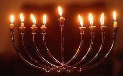 Comienza el encendido de velas por la celebración del Jánuca