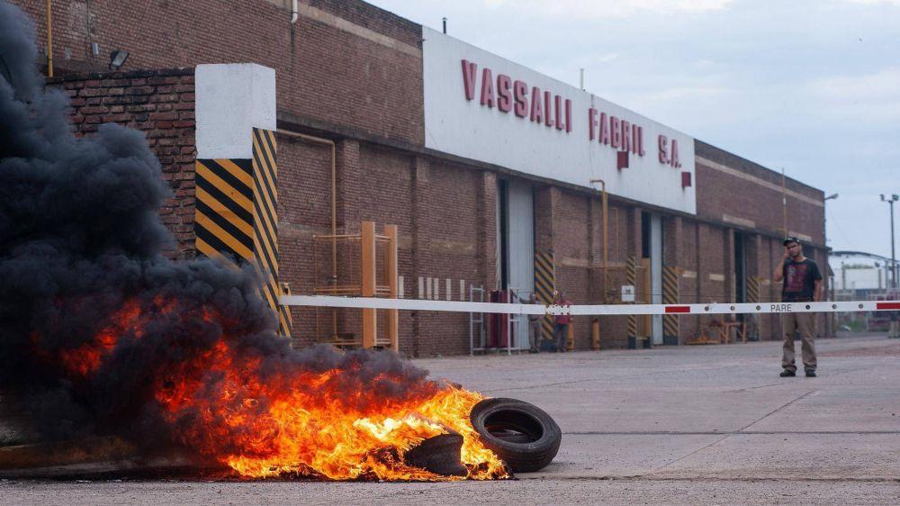 Tras estar al borde de la liquidación, Vassalli reactivará sus plantas en enero
