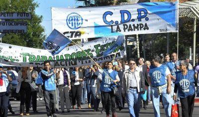 La Pampa pagará un bono de fin de año de 12.500 pesos a los estatales