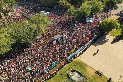 Mendoza: multitudinaria marcha contra la megaminería