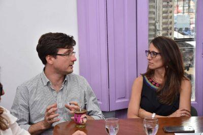 Morón: Ghi recibió a Gómez Alcorta en el Centro Municipal