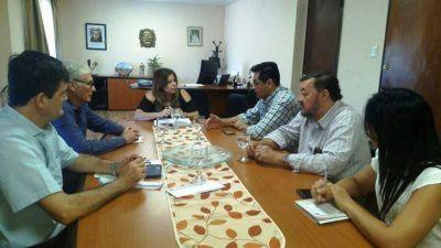 La ministra de Acción Cooperativa Karina Aguirre se reunió con la Federación de Cooperativas de Agua Potable