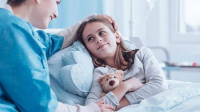 Estadías cortas, más presencia de la familia y cuidado emocional, los pilares del nuevo paradigma en la internación pediátrica