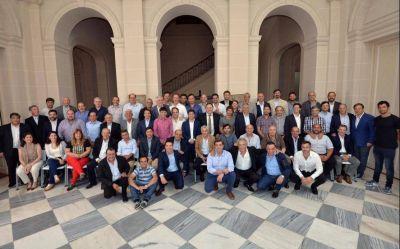 Kicillof recibió a los intendentes peronistas: