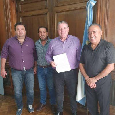 La Federación de Petroleros logró adelantar el pago de aumentos salariales