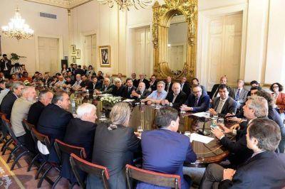 Sin la Mesa de Enlace, el gobierno logró un nuevo acuerdo social con empresarios y sindicalistas