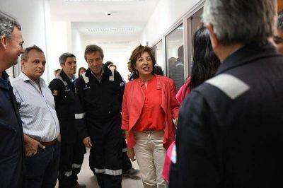 La gobernadora Carreras recorrió el yacimiento gasífero Agua Salada
