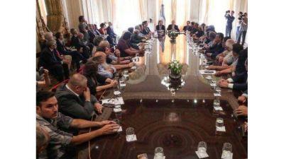 Movimientos sociales respaldan el acuerdo multisectorial con prioridad en los pobres
