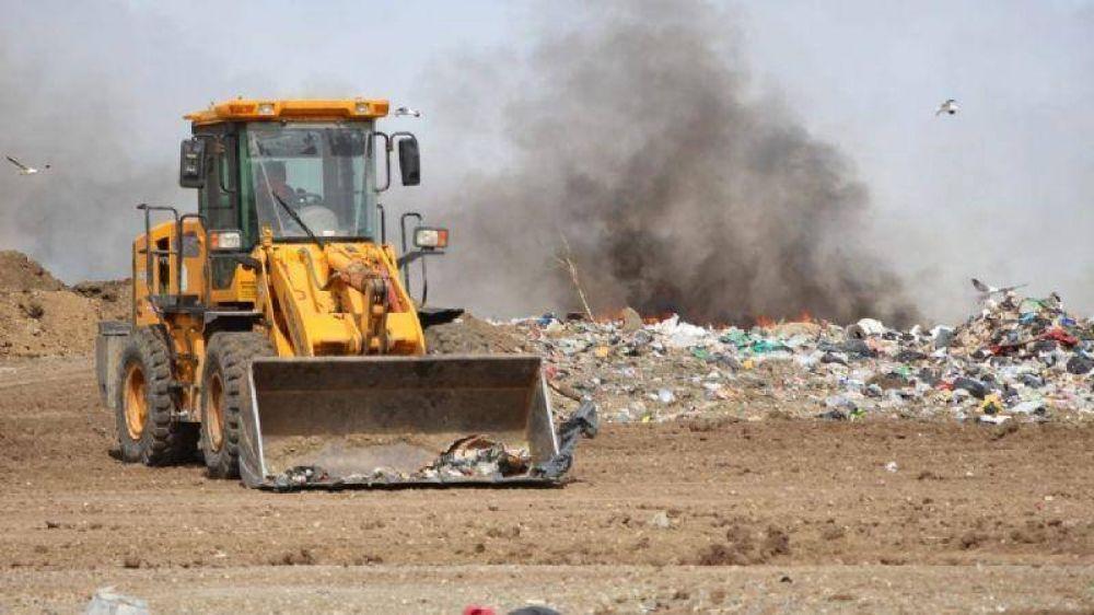 Otra vez el humo de la quema de basura invade la ciudad y las casas de miles de vecinos