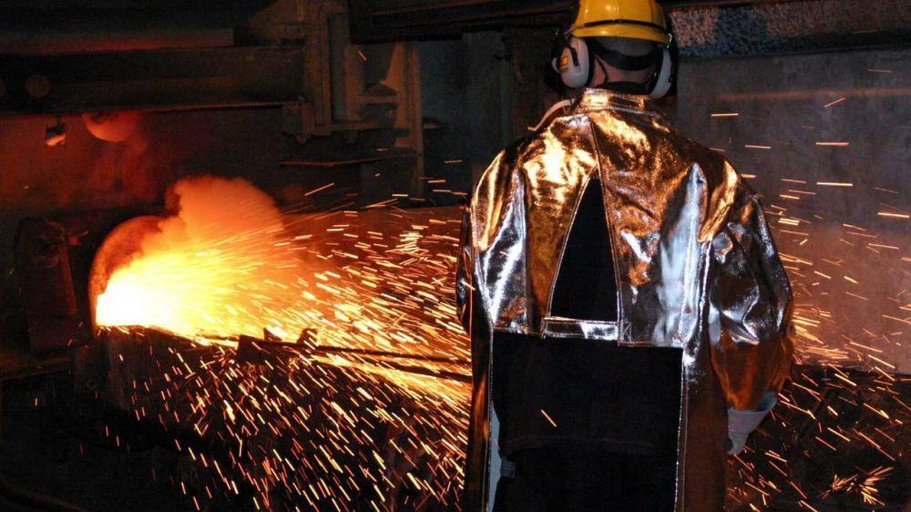 Casi el 50% de los empresarios redijeron personal y el empleo metalúrgico cayó a niveles de 2007