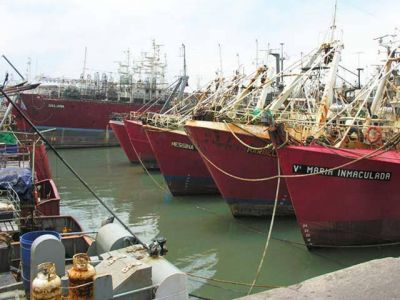 Capitanes y oficiales de pesca demorarán el jueves la salida de buques fresqueros