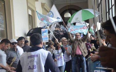 Judiciales reiteraron el pedido de paritarias salariales al gobierno bonaerense