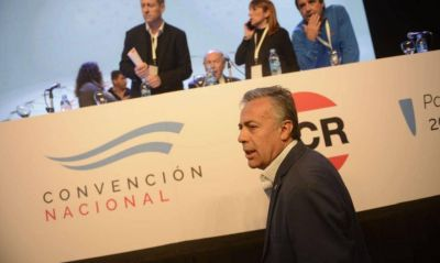 Ya hay 2023: con tono opositor recargado, Cornejo trabaja de presidenciable