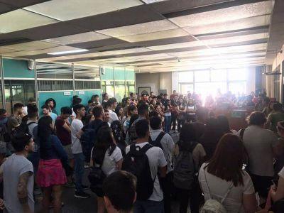 Conflicto en la UNLaM por el despido de docentes de arquitectura