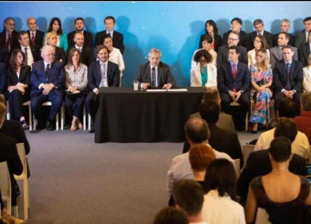 Los cinco primeros puestos de una encuesta sobre imagen positiva corresponden a funcionarios de la gestión de Alberto