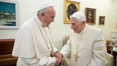 Benedicto y Francisco, los dos papas