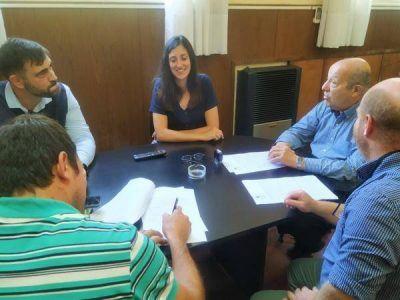 Jorge Paredi firmó convenio para radicación de planta purificadora de agua en Mar Chiquita
