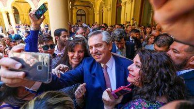 Agenda improvisada y salidas fuera de protocolo: el estilo de Alberto Fernández complica el trabajo de la custodia presidencial