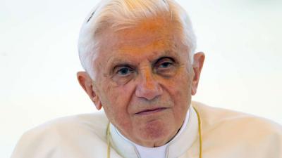 Benedicto XVI ve disminuir sus fuerzas y extraña Baviera